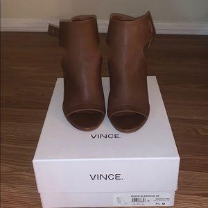 Vince Addie-B, Saddle Le Heels